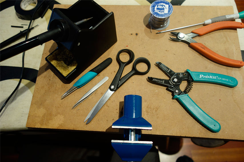 Tools for making DB25 multicore cable